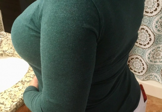 Milf Getting ready for the day. Love this side view of my curves.  F    -llubk3r5yly21