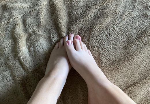 Feet porn First  here     18 years old- feel free to pm me  I d love to make you custom photos   -5vty5jyx1o331